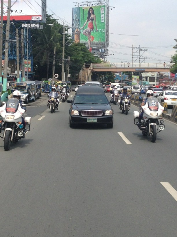 Dolphy's convoy making its way down Airport Rd http://t.co/X3id02Jy