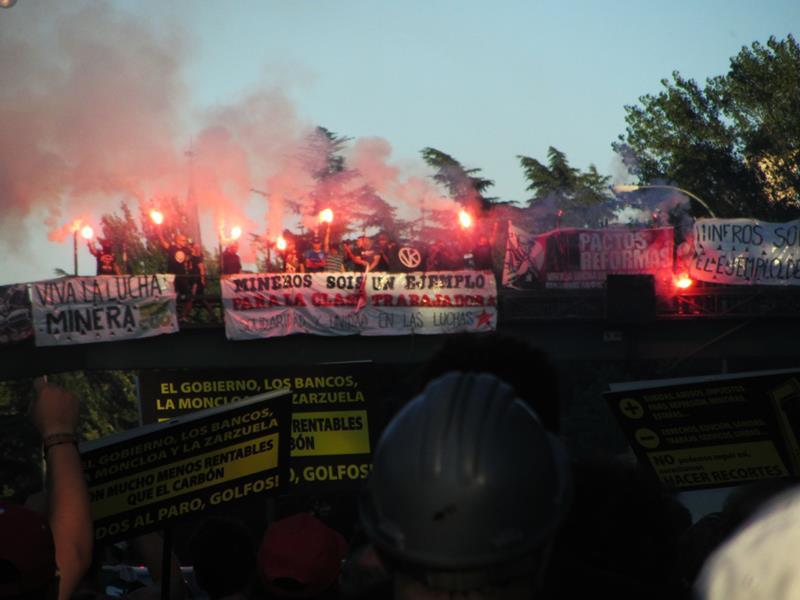 RT @DaniClineal: Ayer, el día donde la clase obrera, llenó Madrid, por los mineros, por todas/os !Abajo el régimen! #nocheminera http:// ...