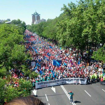 Foto aérea de la manifestación minera en Madrid. http://t.co/wQ5wCU4g