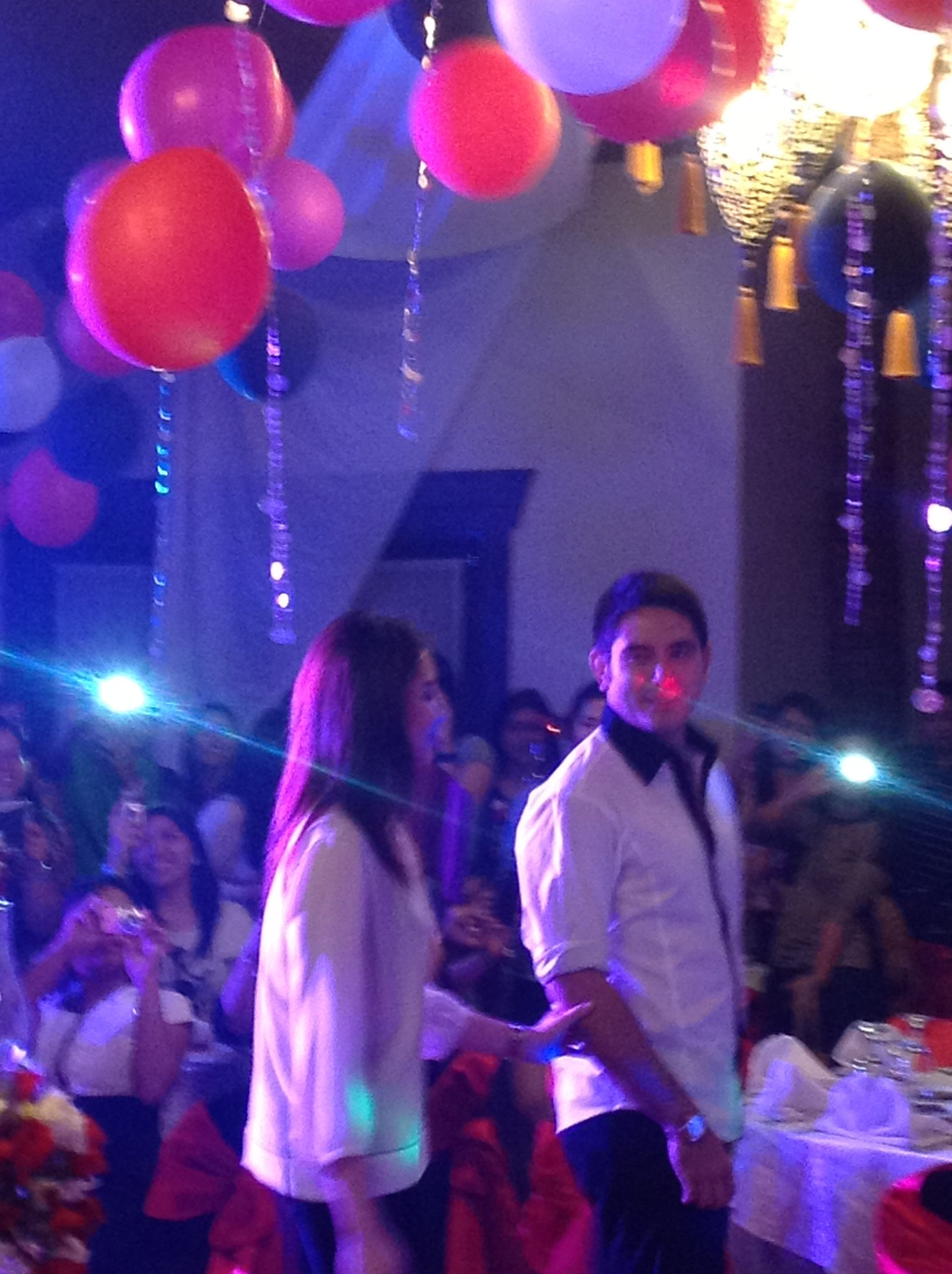 Sasa and Gege arrival at the AshRald bday bash for Sarah ¬ンᄂ http://t.co/1bLr6H6I