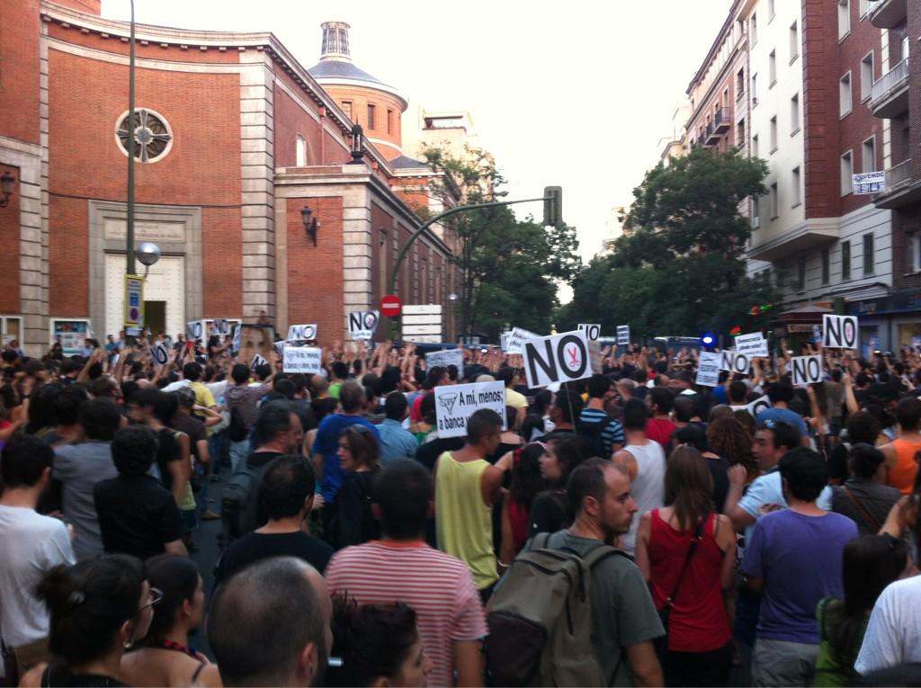 Ya en ferraz. PSOE, pp, la misma mierda es! #quesejodan http://t.co/XiVvzpxK