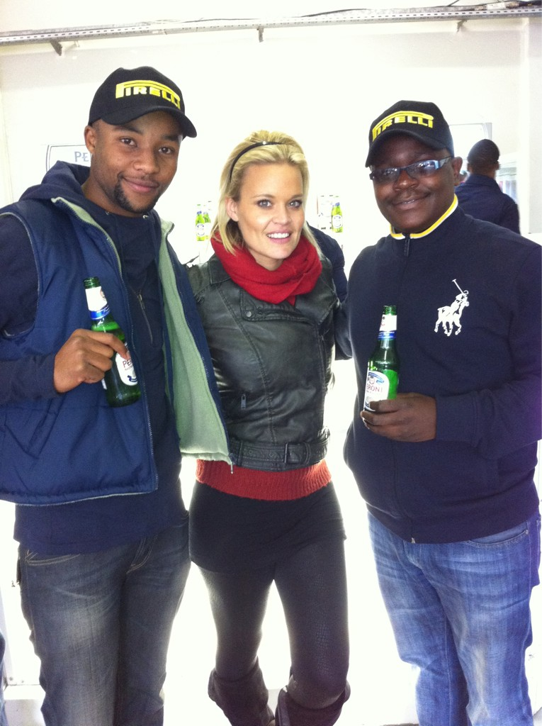 RT @stephenkwe1: @BlondeMbition @Nep2uneKID @PeroniSA what an occasion salute!!!!! http://t.co/IGhqQvbB
