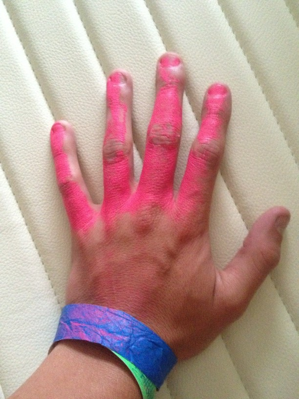 My pink hand is way strong http://t.co/HxlN2NdB