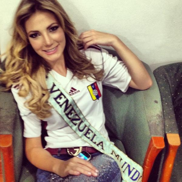 Te quiero Vinotinto, te amo VENEZUELA (: http://t.co/F5dPpCGp