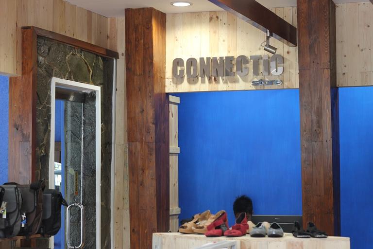 Selamat siang... Jangan lupa kunjungi CONNECTIC Store kami Jl.Merbabu no.21 Malang Buka setiap Hari Jam : 10.00-22.00 http://t.co/dRdu4kJp