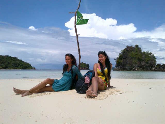 Jam 11siang dan 9mlm hari ini, ada kompilasi pulau-pulau cantik yg termasuk dalam Hidden Paradise! Only @KompasTV http://t.co/r9bEhjh4