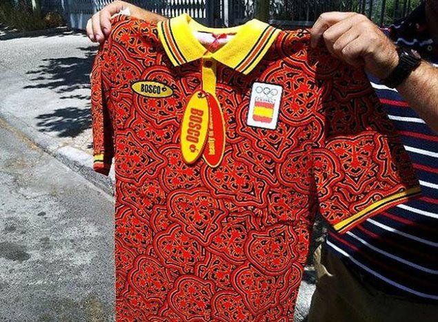 Le equipación española para los JJOO de Londres un éxito de ventas, ¿se dan cuenta amigos? Para gustos colores… http://t.co/ZEXJDA8G