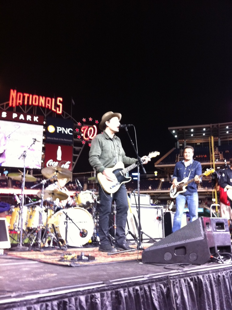 RT @Nationals: Jakob Dylan and The Wallflowers at #Nats Park #NatsLive http://t.co/QI9G6HQJ