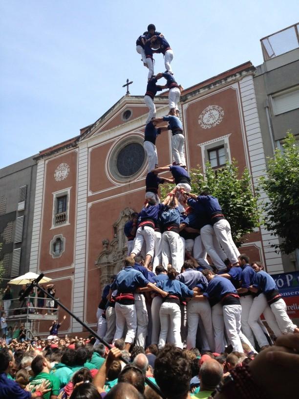 intent de 2d9FM de @capgrossos Ha cedit quarts quan enxaneta anava a passar 2n peu #castellers http://t.co/QAy54Zxj