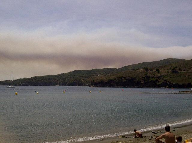 RT @Pumocat: L'#incendi de la #Jonquera des de la Cala Pelosa del Cap de Creus @324cat @emporda_info http://t.co/yZuIlc5m #incendilajonquera