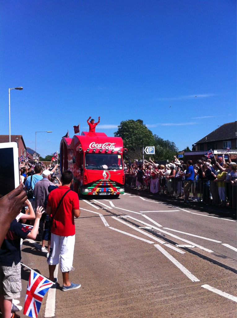 Olympic torch going through Hornchurch great job guys ! Well done Vera, Chris and team . http://t.co/vz5k8gF0