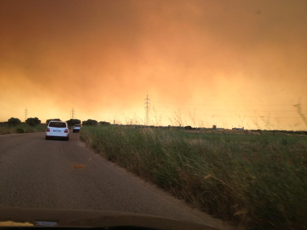 Cel gairebé arribant a Figueres #Figueres #incendilajonquera #ARAIncendis http://t.co/ytcLehZE