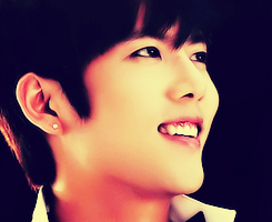 RT @sasoresto95: @2kjdream #Waiting4Kyu Gonna miss this smile http://t.co/2LNNXuYW