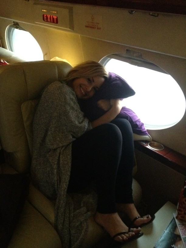 Sweats on... Make-up off and already on a plane to Miami!!! #xfactor http://t.co/lquhHE7S