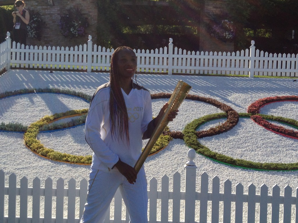 To carry the olympic  torch on World Sjorgrens Day represents strength 2 triumph for every1 with autoimmune disease! http://t.co/mVq1VtAP