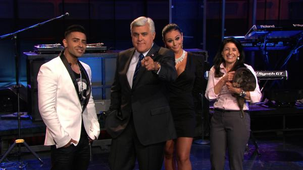 TONIGHT: Ask Jay Anything, #SeaWorld's @JulieScardina w/animals, #JerseyShore's @JENNIWOWW and musical guest @jaysean! http://t.co/ZloP6coZ