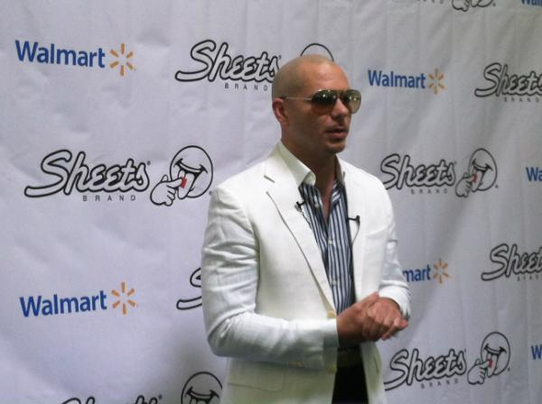 Looks like @Pitbull is doing his thing @Walmart! #PitbullKodiak http://t.co/dniazcqJ