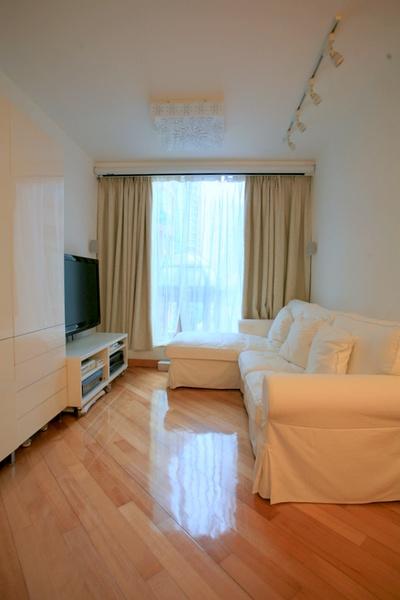 我這個位於香港馬鞍山的房子要招租了,包傢俱電器,可租車位,馬鐵恒安站旁,屋苑有免費專車接送至大學站(5分鐘車程)、鑽石山(15分鐘)。有興趣的朋友請電郵我 miloyip@gmail.com。  http://t.co/6G6dx4iZ http://t.co/sT5tqRvh