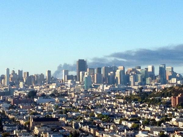 MonkeyBrains ISP (@monkeybrainsnet): I can see flames from bernal hill... #RichmondFire http://t.co/XjT0b5h2