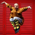 Shaolin monks show off their Kung Fu moves in London http://t.co/nGhmVoQ31Y http://t.co/v93JIjVXX2