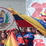 .@NicolasMaduro ordena reducir número de funcionarios en embajada de #EEUU | http://t.co/gbVSsK4b0H http://t.co/Nr7f3ezf2a