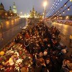 Asesinato en Moscú http://t.co/uXMVatMLAq Putin debe explicar la muerte a tiros de su más relevante opositor http://t.co/drfx2MCGca