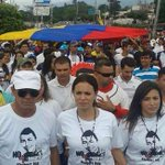 LA MARCHA POR LA VIDA. En San Cristóbal marcharon en silencio en repudio a muerte de Kluibert. http://t.co/meA2ABjuNf http://t.co/ZU1x9ZJLO1