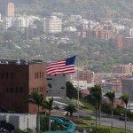 Pdte. @NicolasMaduro ordenó reducir Nro. de funcionarios de la Embajada de EEUU en Venezuela http://t.co/DrkNu14j3N http://t.co/oqb0NHEMv6