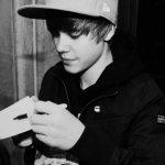 Lo que más me duele es que jamás pude conocer a este chico. #HappyBirthdayJustinBieber http://t.co/VPxScZ1o3B