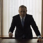 Vuelta a las cloacas de la política http://t.co/cSJdhOflZk Debuta la tercera temporada de House of Cards http://t.co/VGevnhu639