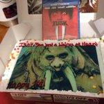 RT @MeowLexa: @ThatKevinSmith @TheVioletCrime HAPPY BIRTHDAY! #Tusk #walrus #MrTusk #Happy1st #WalrusBDay #KevinSmith http://t.co/V5vaPBmKc7