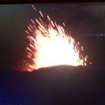 AHORA: Volcán Villarica expulsando lava se amplía perímetro de seguridad... http://t.co/y9yFNoDT6U SE AMPLIA http://t.co/IZWFGFx8Nf