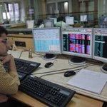 Sensex surges over 200 points; eyes on economic survey http://t.co/ha8hahCPlK http://t.co/OzQwly10jQ