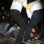 #MÉXICO: Violentas detenciones en una manifestación por los 43 estudiantes http://t.co/tdGaVSB96L http://t.co/J8ez3LVtiS
