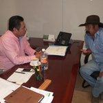 Atención a organizaciones sociales #UNTA y oferta institucional @SAGARPA_mx @VHCelayaCelaya @marcosbuciom #Oaxaca http://t.co/Fz6JIpGugS
