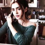 Lily Collins is gorgeous af. http://t.co/JcdE52Haih