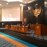 Jika Dipecat, Ahok Berencana Melamar Kepala Bulog ke Jokowi http://t.co/CVpWP5PzJp @basuki_btp http://t.co/E7YmAxBYvy
