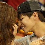 "ICYMI: #KimSoEun and #SongJaeRim Caught on Kiss Cam on ""#WeGotMarried"" http://t.co/9n373ucRVT http://t.co/E7Y8bSVguO"