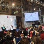 """En encuentro ONU mujeres Chile """"Las mujeres en el poder y en la toma de decisiones:construyendo un mundo diferente"""" http://t.co/ECSPso9Q4C"""