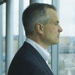 Nù te zien op NPO 2 @VPROTegenlicht: Bankgeheimen van Joris Luyendijk. http://t.co/EExM72vCLP http://t.co/qmpI1eqsKL