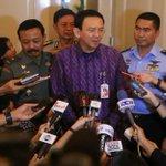 Ahok Laporkan DPRD DKI Jakarta ke KPK http://t.co/AogyRqFMOX @basuki_btp http://t.co/nlePcuvzZE