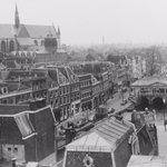 Prachtige oude foto van #Leiden: de Nieuwe Rijn in 1959! #FlashbackFriday http://t.co/kSU8Ni1wxo