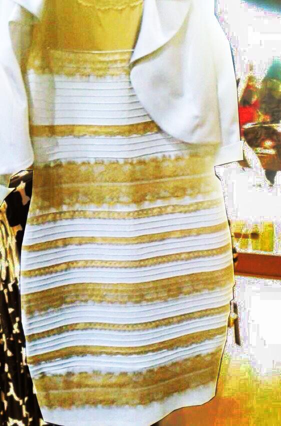 白と金に「見せた」画像と、元画像と、青と黒に「見せた」画像 「どう見ても青黒」な人は左から、「どう見ても白金」な人は右から見ると意味が分かるかも http://t.co/D3k76RjzfC