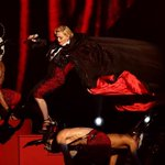 5 breakout moments from the 2015 #BRITAwards! Yes, Madonna's fall is one of them (obvs!): http://t.co/ZutXAlealF