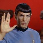 Addio a Leonard Nimoy,lo Spock di #StarTrek.Aveva 83 anni,stroncato da complicazioni polmonari http://t.co/BipB0AARu8 http://t.co/eNQ2trylsJ