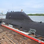 Две подлодки нового поколения заложат в День подводника в России http://t.co/9uEJWzPEpT http://t.co/ljP0DzT5U6