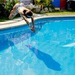 Fotos: Las imágenes que dejó el piscinazo de @Jhendelyn en #Viña2015 http://t.co/OZjFttFLSa http://t.co/MBnUHltU1n