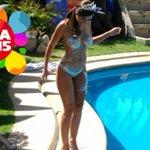 Así fue el piscinazo de @Jhendelyn reina de #Viña2015 » http://t.co/QhnF6NHQnZ http://t.co/mOu6uHYgnf