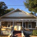 For Rent $1,100 - 3/1 House #Tampa #Ybor Bungalow front porch yard http://t.co/8pzkubSbqB http://t.co/ZIVmQMPKPN