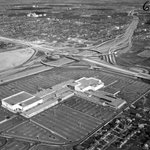 #FlashbackFriday of Yorkdale Mall in 1966. #Toronto http://t.co/6e34p56e0f